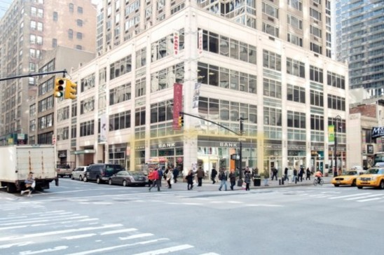 1018 Avenue Of The Americas