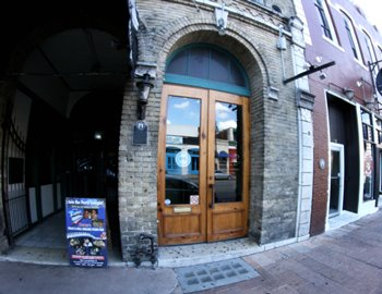 421 east 6th street austin tx 78701 office for lease