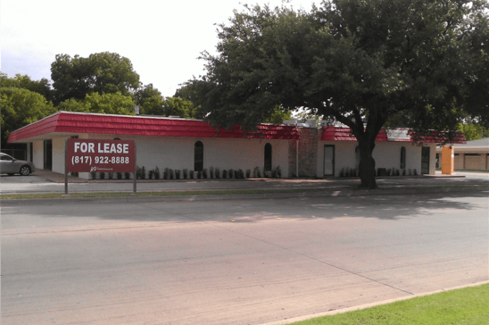 12-405-East-Bolt-StreetFort-WorthTX76110-Retail-wp_000073.jpg