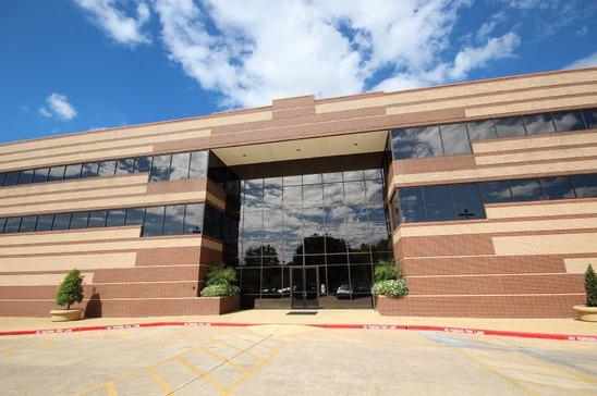 11-12808-West-Airport-Blvd.Sugar-LandTX77478-Office-img_2513-sm.jpg