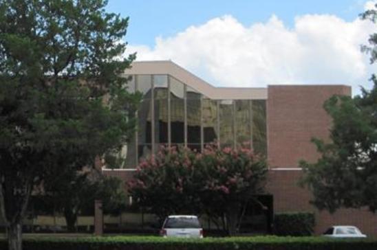 12-8204-Elmbrook-DrDallasTX75247-Office-8204-md2.jpg