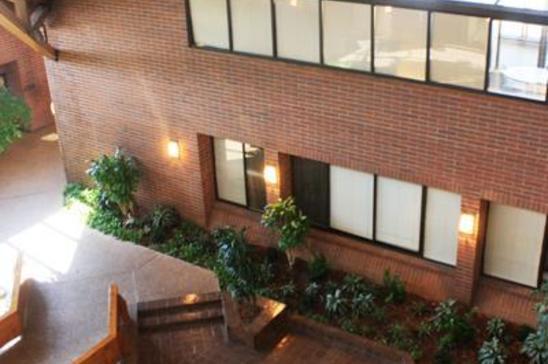 11-8204-Elmbrook-DrDallasTX75247-Office-8204-md1.jpg