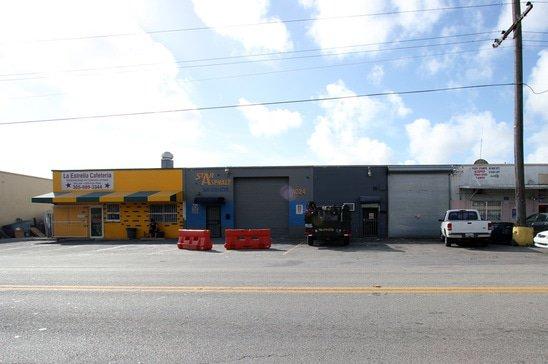 hialeah-warehouse-retail-cafeteria.jpg