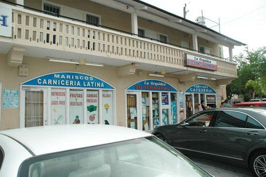 cuban-shopping-center-minimart.jpg