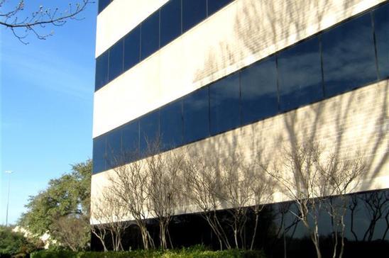 12-6300-La-CalmaAustinTX78752-Office-6300-exterior-(9).jpg