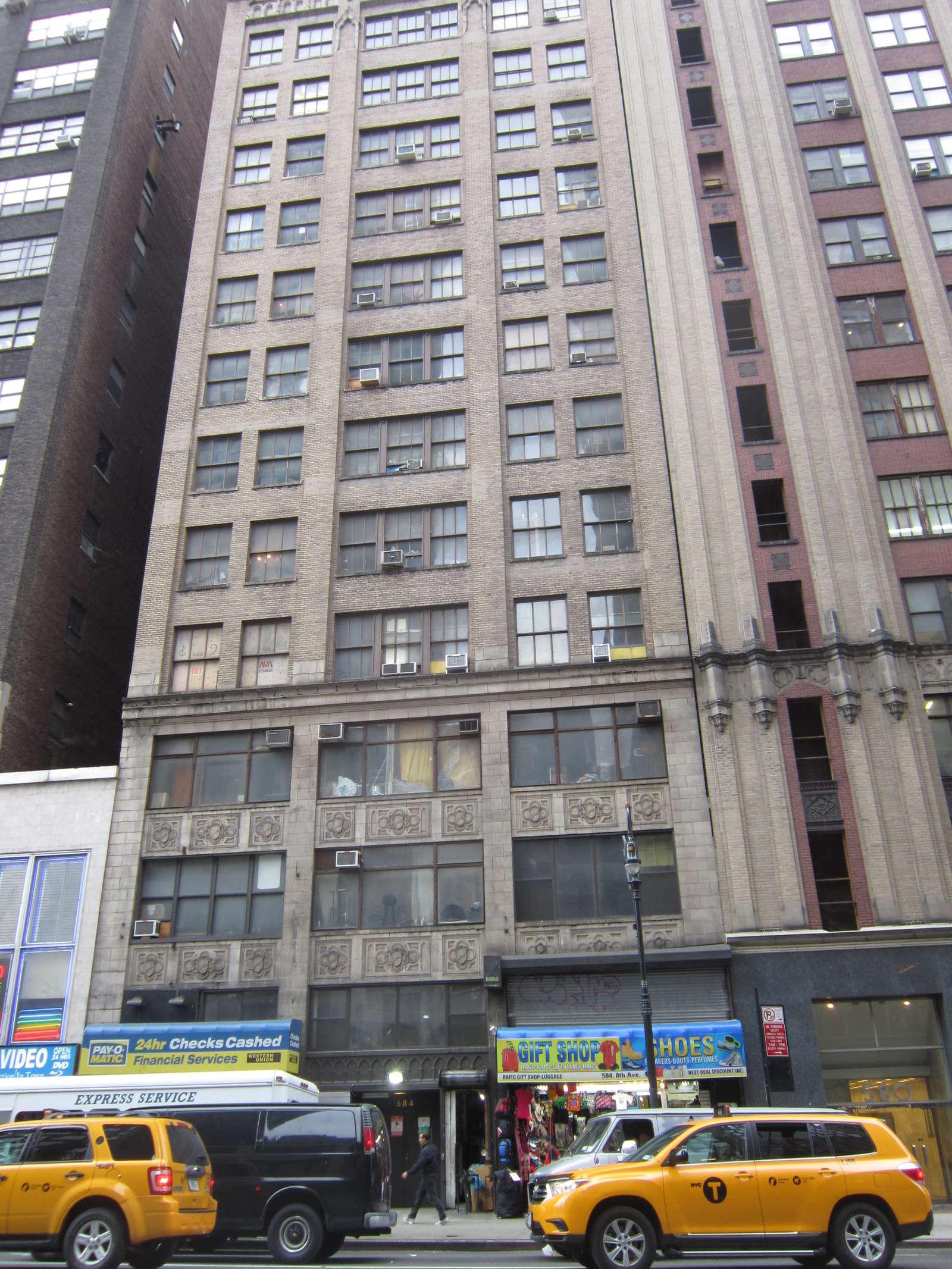 584 8th avenue basement new york ny 10018