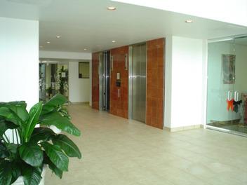 9950-lobby.jpg
