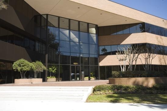 16800-greenspoint-park-dr-houston-tx-77060-office-for-rent.jpg